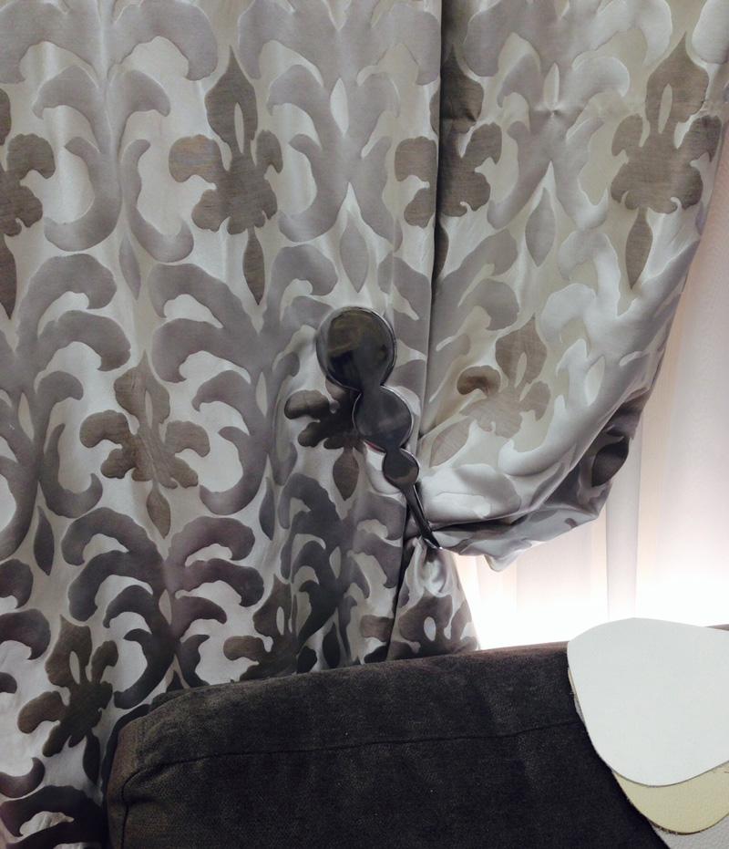 embrasse rideaux citeaux mural 01 43 79 01 43 embrasse rideaux. Black Bedroom Furniture Sets. Home Design Ideas